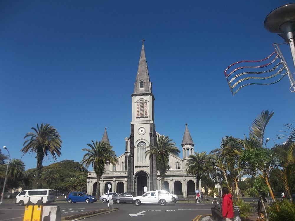 L'église Sainte Thérèse.