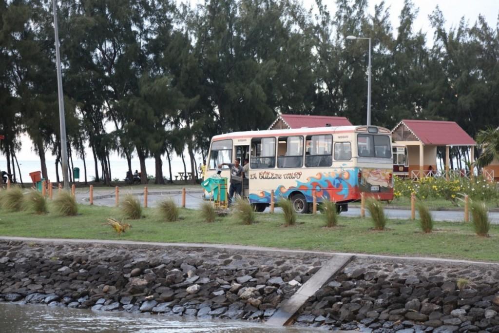 La principale gare routière de Rodrigues est située à Port Mathurin. Crédit photo: M. Garreau.