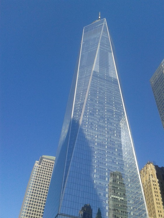 J'ai eu très mal au cou en prenant cette photo du One World Trade Center.