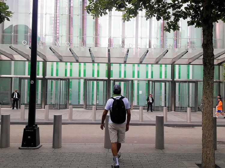 L'entrée du One World Trade Center, plus haut gratte-ciel de Manhattan.