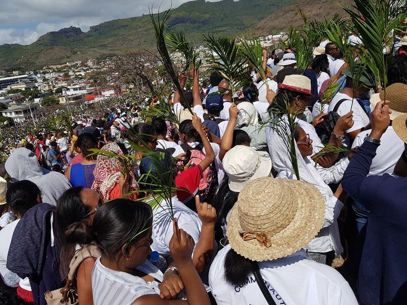 La foule présente à Marie Reine de la Paix. Crédit photo: CR